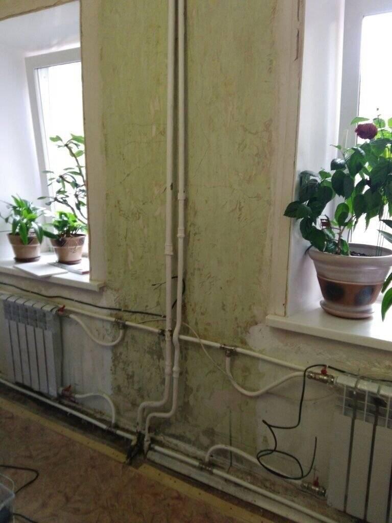 Как спрятать трубы отопления в частном доме, соблюдая технику безопасности