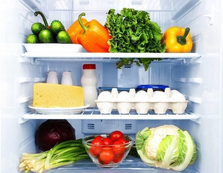 9 продуктов, которые нельзя хранить на полках холодильника