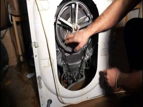 Снимаем подшипник с барабана стиральной машинки своими силами