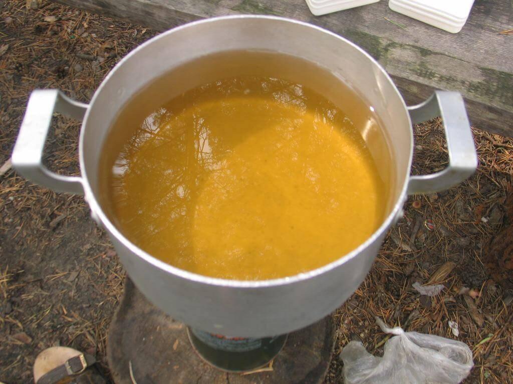 Почему вода в колодце желтая: причины + методы очистки   гидро гуру