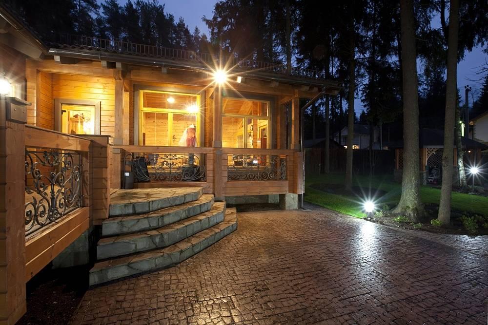 Дизайн фасада частного дома снаружи: варианты красивого экстерьера  - 49 фото