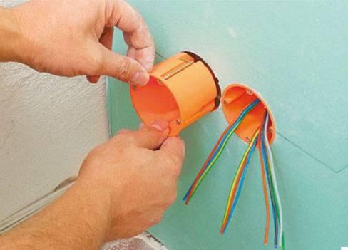 Подрозетник для гипсокартона: как установить или сделать отверстие в гкл, расстояние между подрозетниками и монтаж своими руками