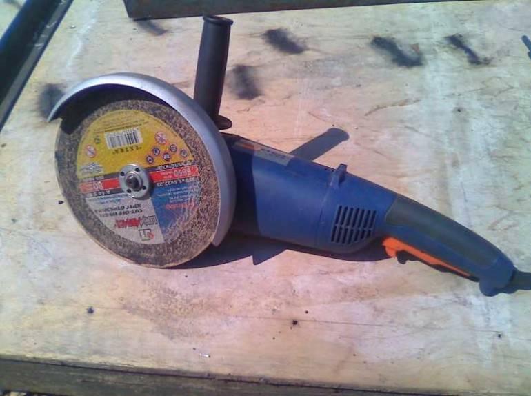 Как снять и поменять диск болгарки, какие бывают виды отрезных кругов ушм + видеоинструкции