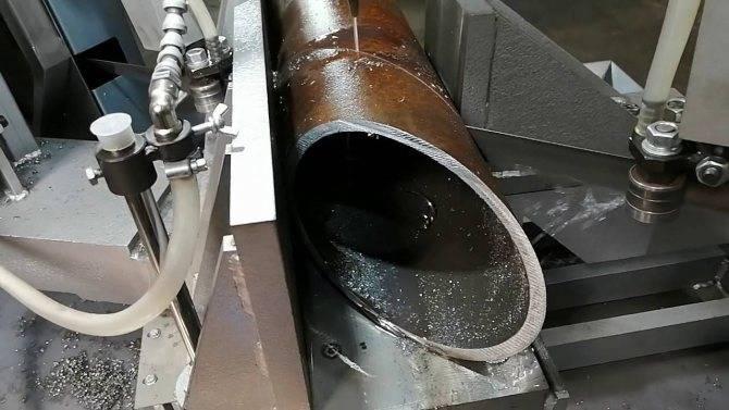 Труборез для стальных труб: характеристики и применение