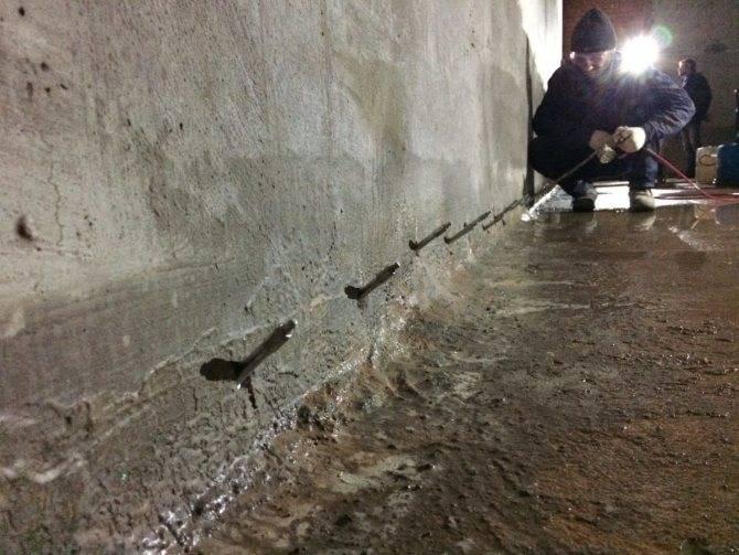 Лечение трещин в бетоне – инъектирование
