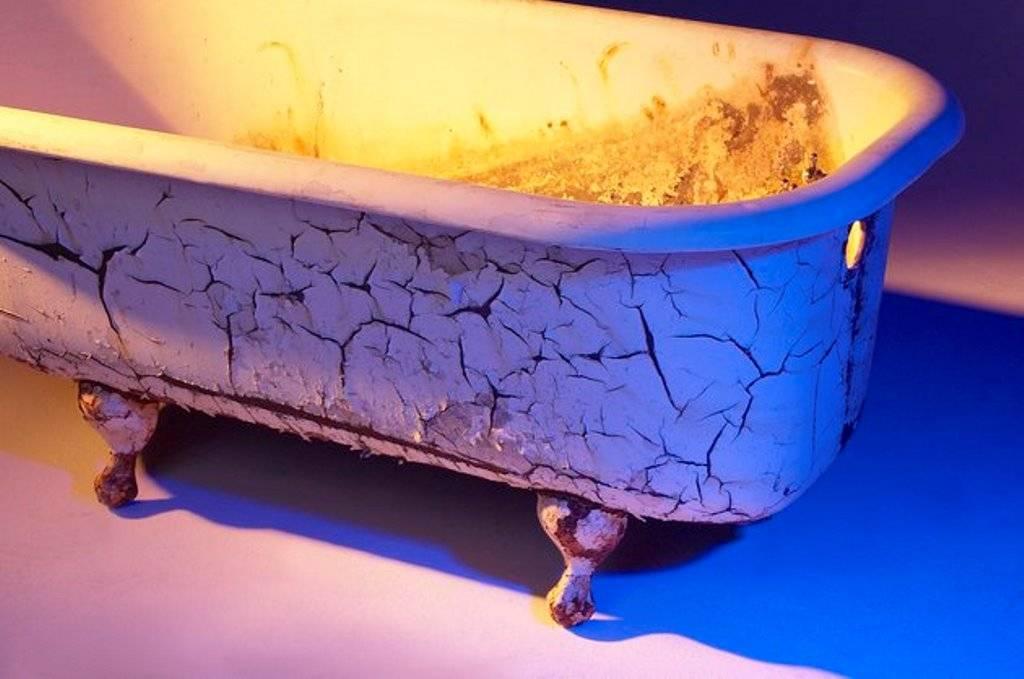 Как обновить чугунную ванну: обзор способов реставрации, их преимущества и недостатки