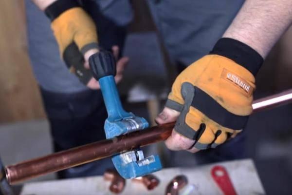 Монтаж медных труб отопления: особенности технологии выполнения работ