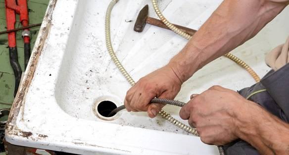Как прочистить унитаз от засора в домашних условиях