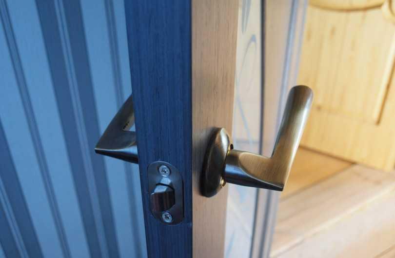 Установка межкомнатных дверей своими руками, пошаговая инструкция