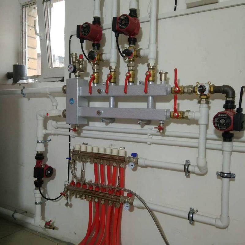 Распределительная гребенка системы отопления