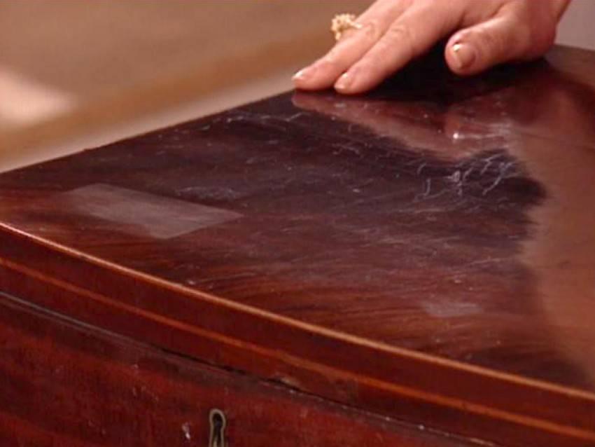 Как убрать царапины с мебели. обзор способов и средств