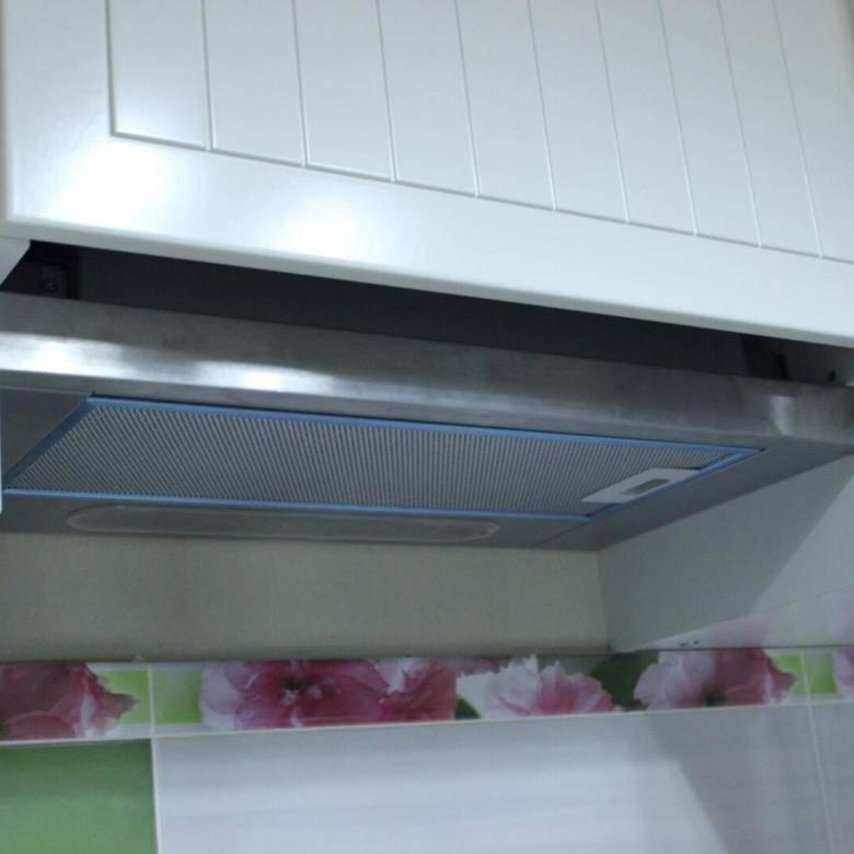 Встроенная в шкаф вытяжка 60 см: нюансы выбора и установки