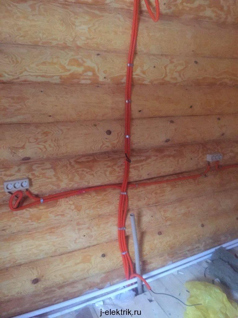 Открытая проводка в деревянном доме своими руками – особенности и способы ее монтажа