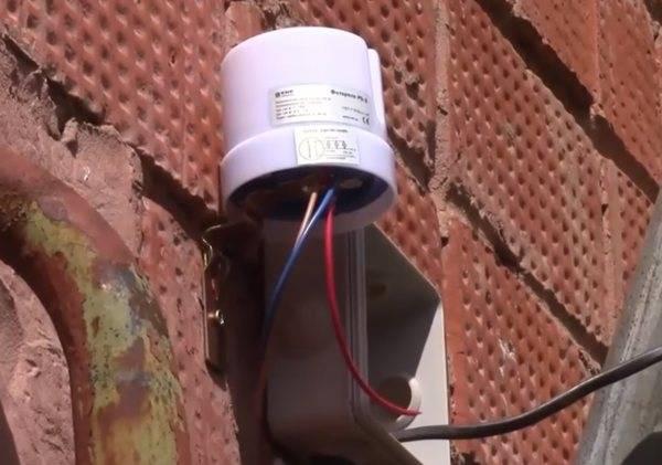 Принцип работы, разновидности и способы подключения фотореле для уличного освещения