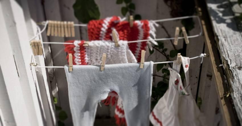 Семь полезных советов: как правильно сушить белье в квартире, если это нельзя сделать на улице