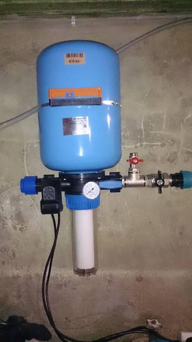 Регулировка давления воды в насосной станции своими руками: как регулировать настройки датчика регулятора водоснабжения?