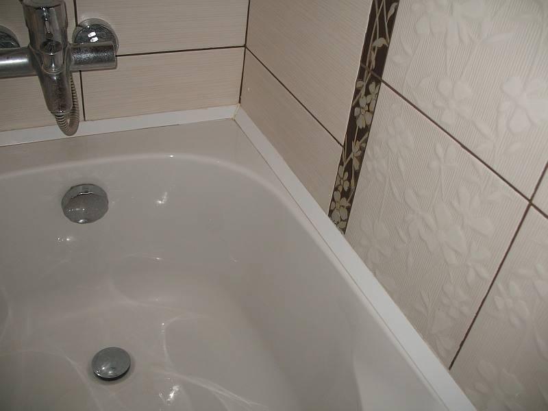 Чем заделать щель между ванной и стеной: 9 простых способов - строительство и ремонт