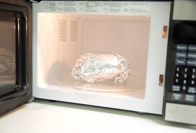 7 вещей, которые нельзя класть в микроволновую печь. никогда!