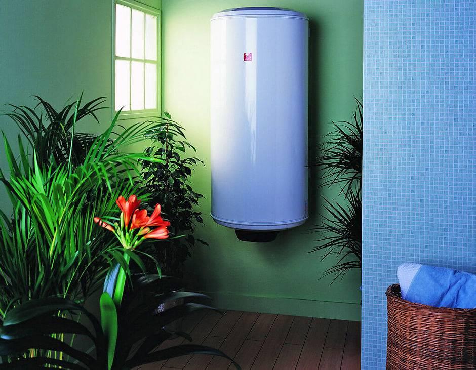 Как выбрать электрические водонагреватели: проточные, накопительные