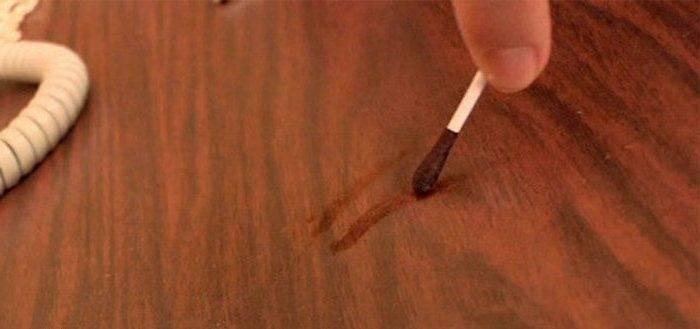 Как убрать царапины с мебели: способы устранения мелких и глубоких повреждений с темного и светлого деревянного покрытия, полированного дерева