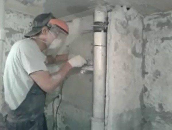 Почему появляется запах канализации и как его устранить