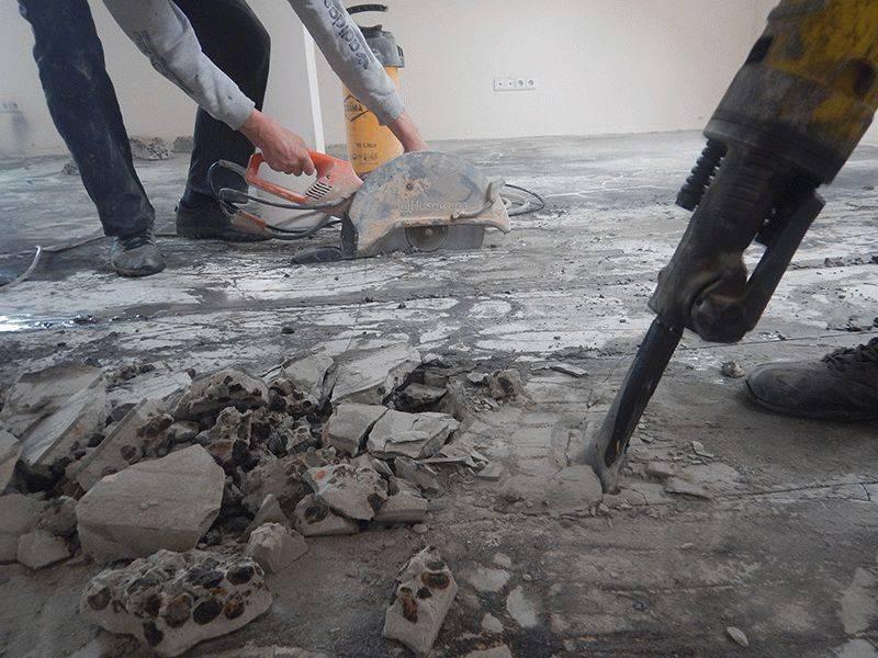 Как самостоятельно сделать демонтаж бетонного пола