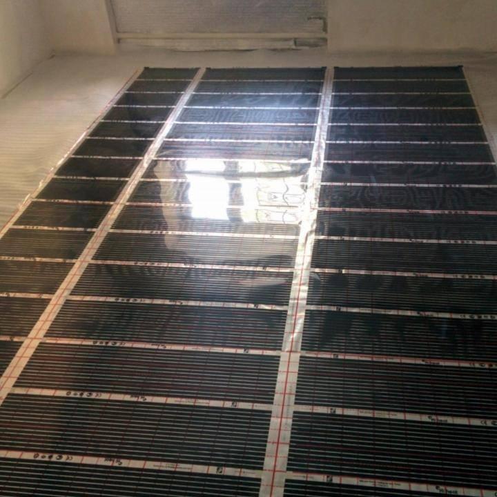 Инфракрасный карбоновый теплый пол: преимущества и особенности укладки под плитку и ламинат