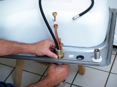 Как подключить раковину: особенности монтажа умывальника и кухонной мойки