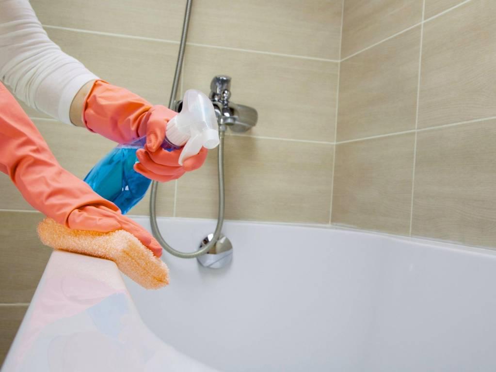 Уход за акриловой ванной: чем чистить и мыть в домашних условиях