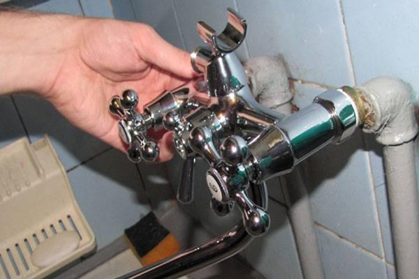 Как поменять смеситель в ванной + как собрать кран + видео сборки и установки крана.