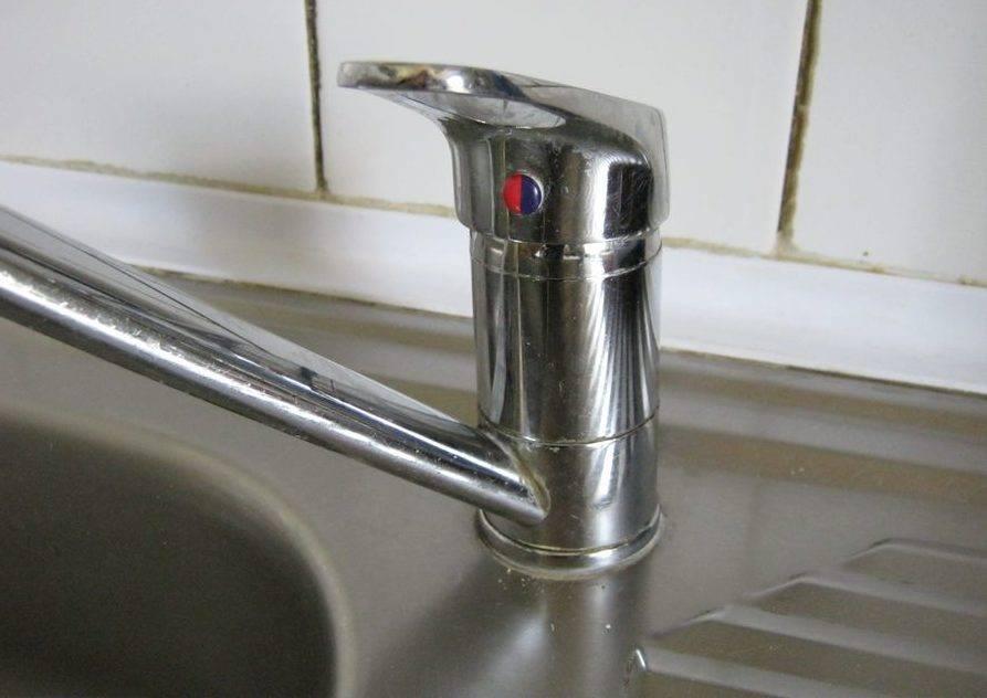 Смеситель для ванны: ремонт переключателя, кран-буксы, устранение течи своими руками (+ видео)